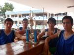 Con el trofeo de campeones
