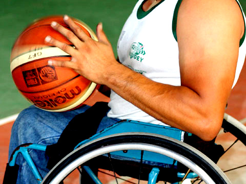 Baloncesto en silla de ruedas magia para el coraz n - Baloncesto silla de ruedas ...