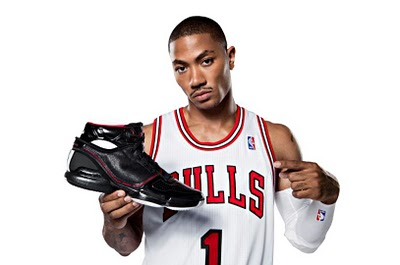 Derrick-Rose-with-Shoe