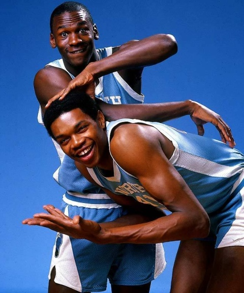 Michael Jordan y Sam Perkins